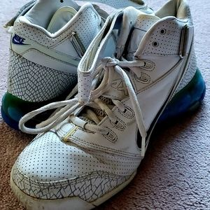Nike Air Max 180 Basketball Shoes (size 8.5)